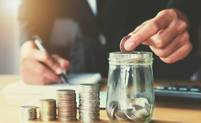 Bagian 3: Manajemen Keuangan - Martingale (Ya/Tidak)