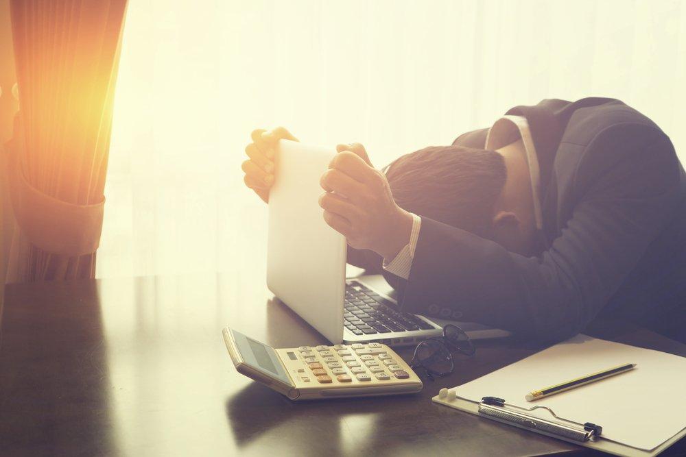 Aprende 8 de los errores cometidos por los comerciantes que fracasan en sus estrategias