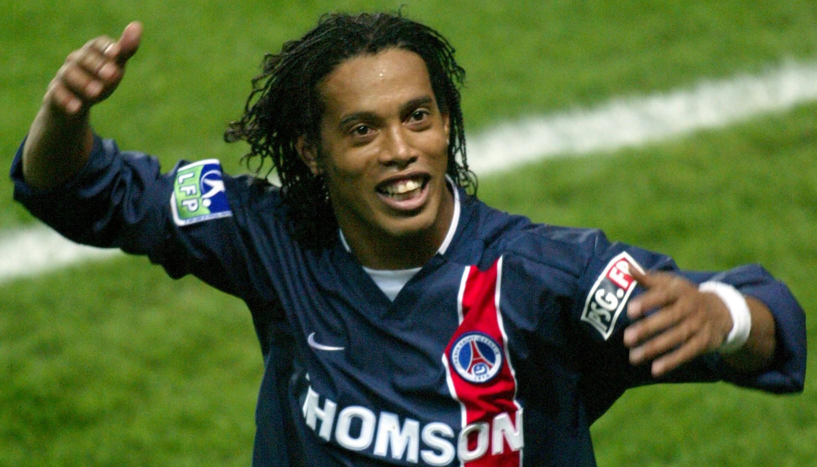 Lá thư cho bản thân của Ronaldinho: 'Đừng đá bóng, hãy chơi bóng'-7